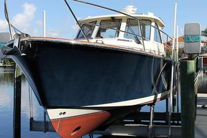 Used Legacy 32 Cruiser Boat For Sale