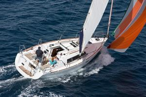 New Beneteau Oceanis 31 Racer and Cruiser Sailboat For Sale