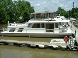 Used Gibson Standard Motor Yacht For Sale