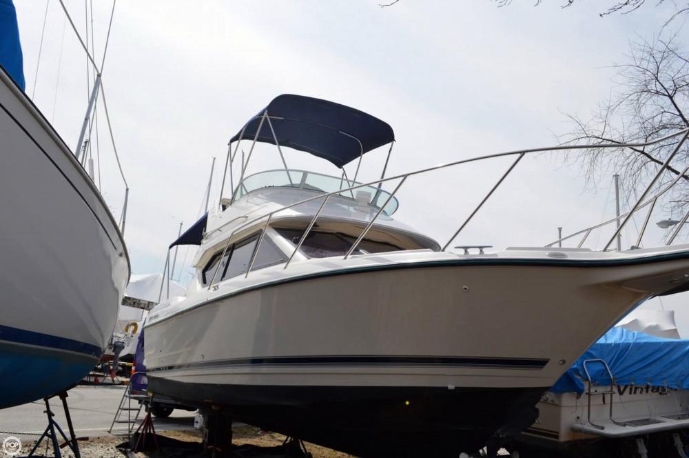 Used Bayliner 2858EC Command Bridge Express Cruiser Boat For Sale