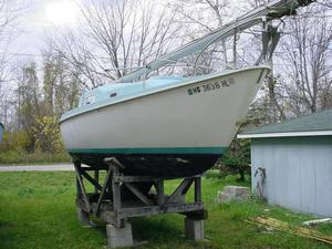 Used Peason P26 Racer and Cruiser Sailboat For Sale