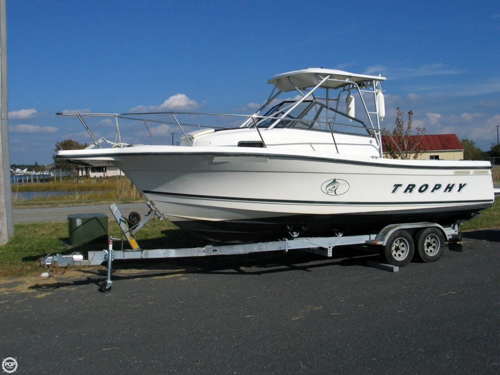 2000 used trophy 2352 walkaround fishing boat for sale for Used fishing boats for sale in md
