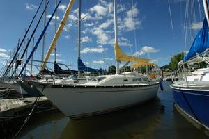 Used Mirage 32 Sloop Sailboat For Sale