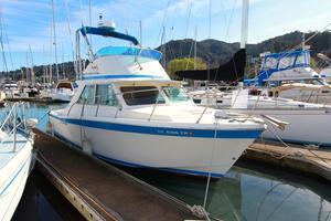 Used Uniflite Sport Sedan Sports Fishing Boat For Sale