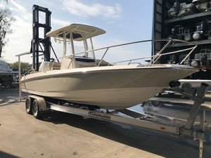 New Boston Whaler 240 Dauntless Saltwater Fishing Boat For Sale