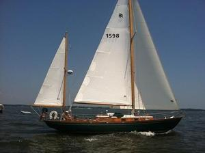Used Rhodes 41 Antique and Classic Boat For Sale