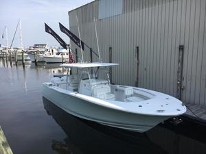 New Southport 33 FE With Full Electronics Center Console Fishing Boat For Sale