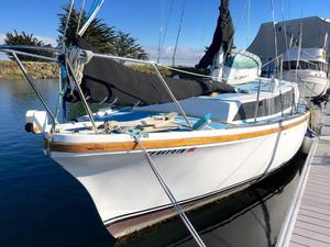 Used Yorktown 33 Cruiser Sailboat For Sale