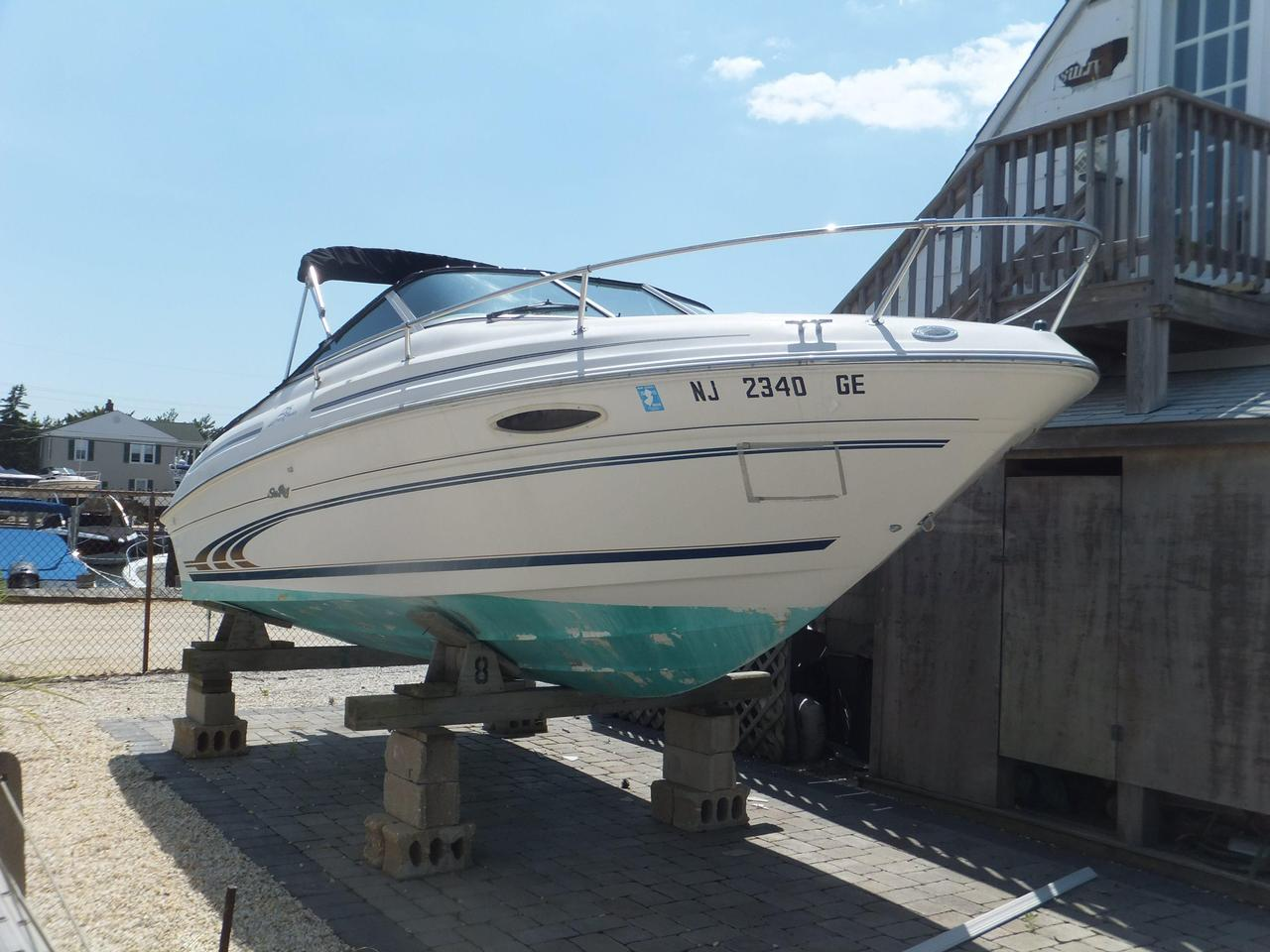 1997 Used Sea Ray 215 Express Cruiser Cuddy Cabin Boat For