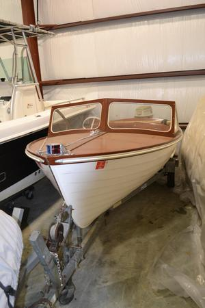 Used White Canoe Company Antique and Classic Boat For Sale