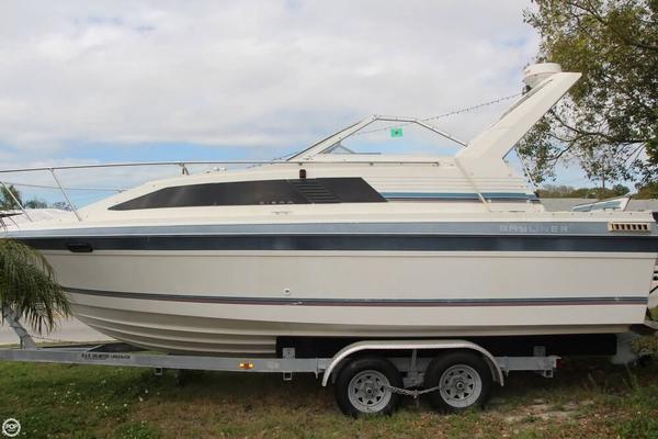 Used Bayliner 2550 Ciera Express Cruiser Boat For Sale