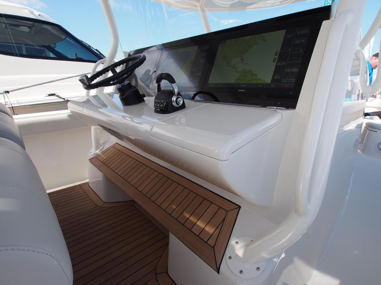 2019 New Jupiter 43 SF Express Cruiser Boat For Sale - New