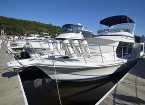 Used Bluewater Yachts 42 Coastal Motor Yacht For Sale