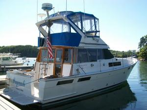 Used Bayliner 3870 Motoryacht - Offers Wanted Motor Yacht For Sale
