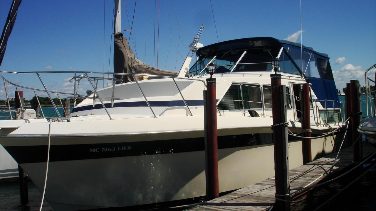 1981 Used Chris-Craft 381 Catalina Motor Yacht For Sale