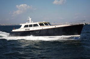 Used Vicem 85 Classic Motor Yacht For Sale