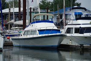 Used Luhrs Super 320 Cuddy Cabin Boat For Sale
