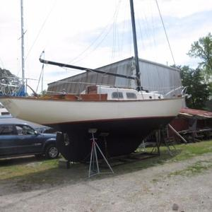 Used Pearson 32 Antique and Classic Boat For Sale