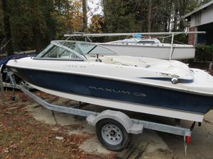 Used Maxum 18 MX Bowrider Boat For Sale