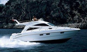 Used Sealine F34 Flybridge Boat For Sale