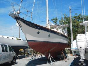 Used Csy 44 Walk - Thru Cruiser Sailboat For Sale
