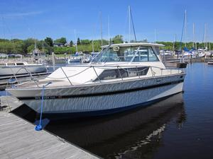Used Slickcraft SC 285 Hardtop Express Cruiser Boat For Sale