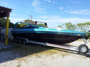 Used Imp 33 Sport Cuddy High Performance Boat For Sale
