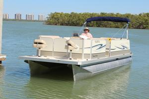 Used Fiesta Beachcomber 24 Family Fisherman Pontoon Boat For Sale