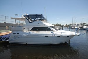 Used Cruisers 3650 Motor Yacht For Sale