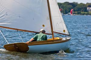 Used Herreshoff 12 1/2 Daysailer Sailboat For Sale