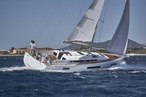 New Jeanneau 440 Cruiser Sailboat For Sale