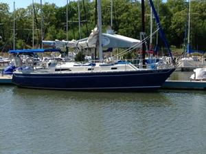 Used Irwin 33 Antique and Classic Boat For Sale