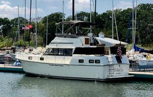 Used Carver 3607 Motor Yacht For Sale