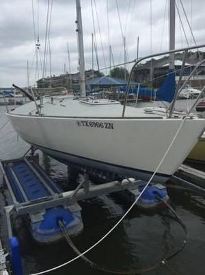Used J Boats J/24 Racer and Cruiser Sailboat For Sale