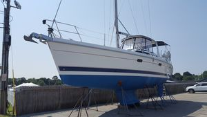Used Hunter 450 Center Cockpit Sailboat For Sale