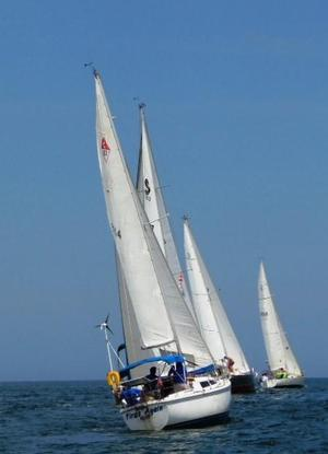 Used Catalina 27 Racer and Cruiser Sailboat For Sale