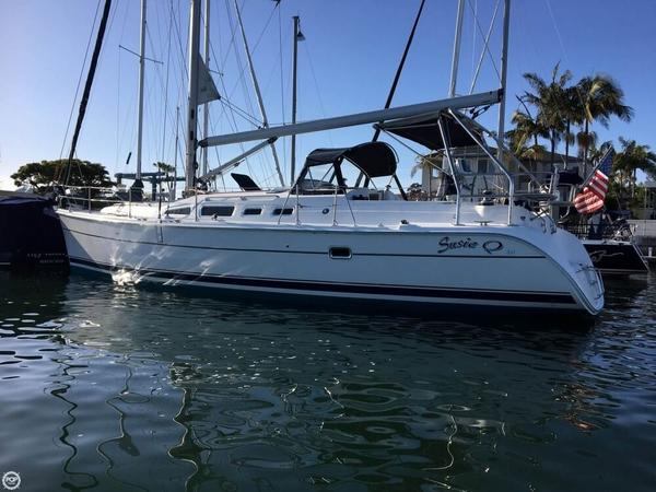 Used Hunter 426/44 AC Racer and Cruiser Sailboat For Sale