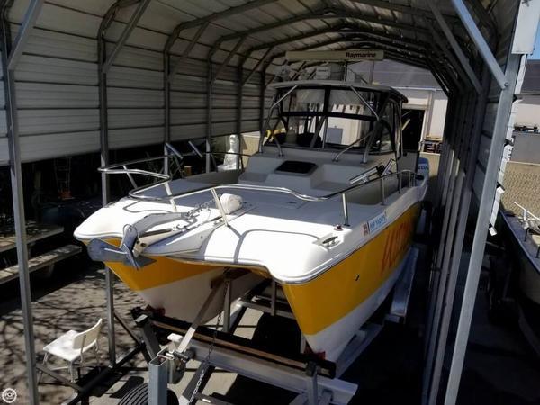 Used World Cat 266 Sport Cuddy Power Catamaran Boat For Sale