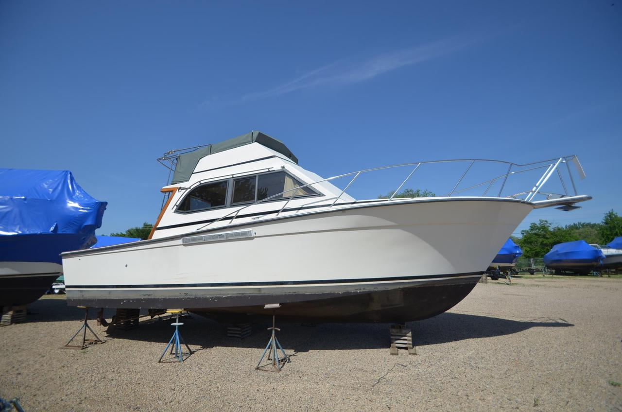 1989 used egg harbor 35 sport fisherman convertible for Used fishing boats for sale mn