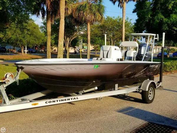 Used Trident Hybrid 1800 Flats Fishing Boat For Sale