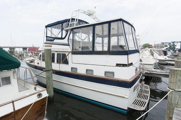 Used Marine Trader 40 Sundeck Trawler Boat For Sale