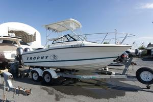 Used Trophy 21 Walkaround Center Console Fishing Boat For Sale