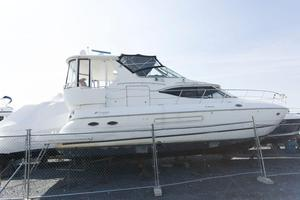 Used Cruisers Yachts 4450 Express Motoryacht Motor Yacht For Sale