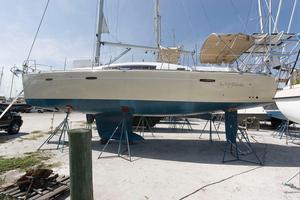 Used Beneteau Oceanis 40 Cruiser Sailboat For Sale