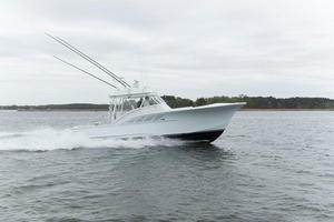 Used Calyber 35 Walkaround Diesel IPS Center Console Fishing Boat For Sale
