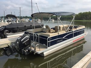 Used Manitou 25 Aurora LE RF VP - Blue Pontoon Boat For Sale