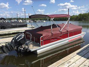 Used Manitou 25 Aurora LE RF VP - Burgundy Pontoon Boat For Sale