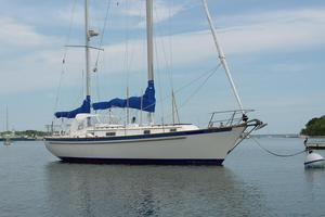 Used Pearson 365 Racer and Cruiser Sailboat For Sale