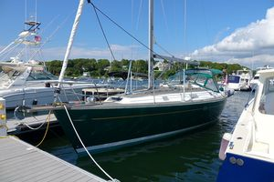 Used Beneteau Oceanis 381 Cruiser Sailboat For Sale
