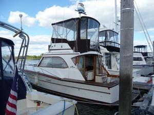 Used Egg Harbor Sedan Saltwater Fishing Boat For Sale